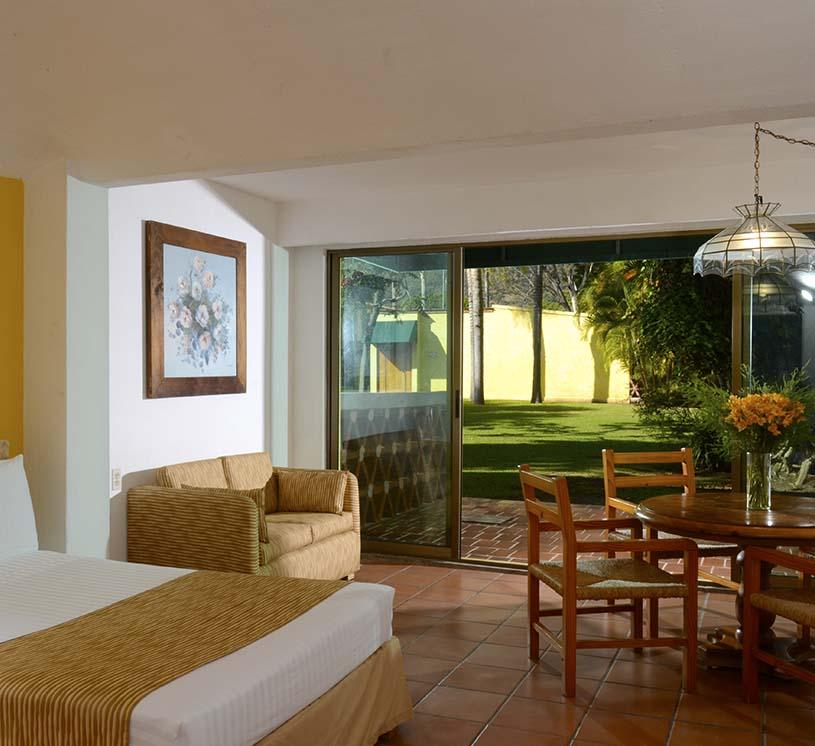 Hotel Real de Chapala, Vista al jardín primer piso